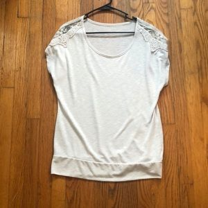 Size L Maurices off white short sleeve blouse
